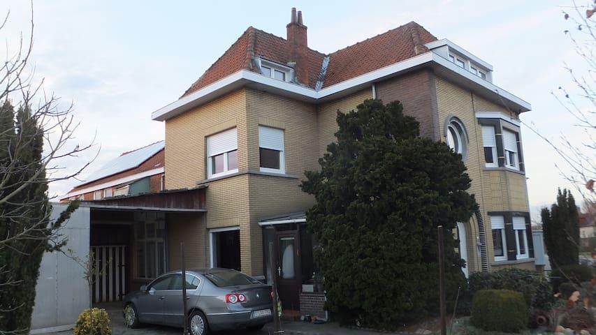 Slaapkamer(s)  in  buurt van Brussel en Antwerpen