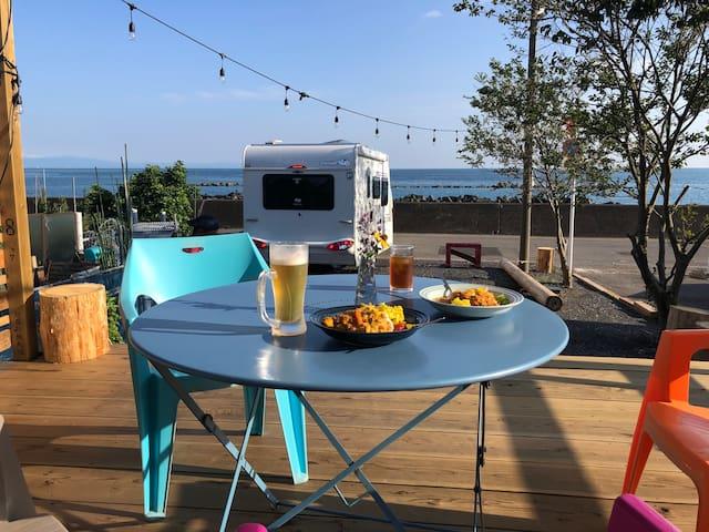 海を見渡せる部屋「Eat&Stay  ROMEY」夏はサップや海水浴、バーベキュー 釣りで楽しむ!