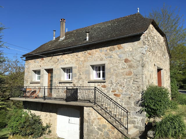Gite Marguerite - stunning rural location - Lunac - Huis