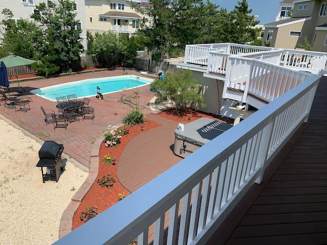 Amazing Ocean side rental 75 ft to Ocean w/ pool