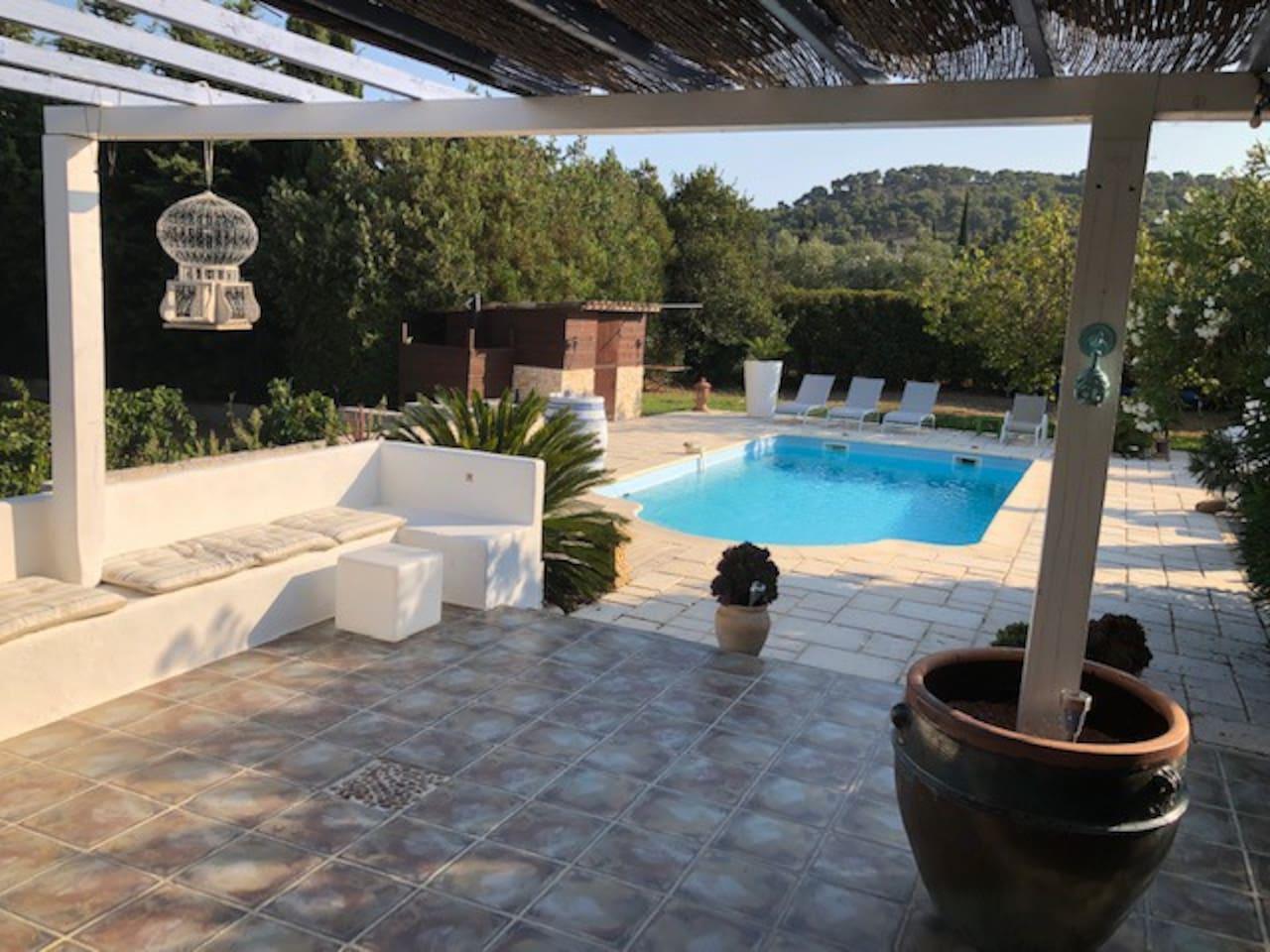 piscine 9mX 4,5m 150 m2 terrasses sans vis à vis Villa 140 m2 piscine / campagne 4600 m2 terrain , proximité plage