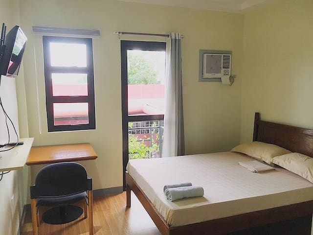 Bed and breakfast at Casa Raliana Lucena