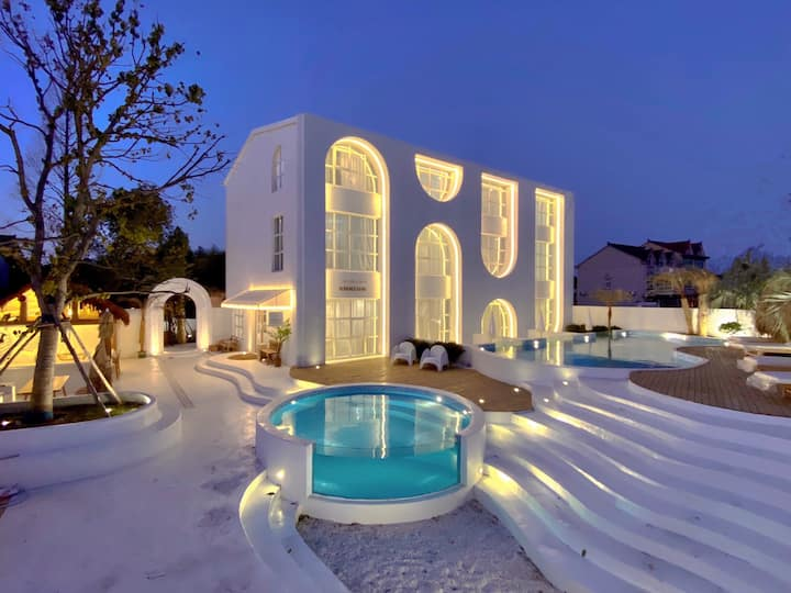 愈宿二期~晴空 洞穴风 星空天窗 投影 浴缸 泳池 设计师别墅 迪士尼接送
