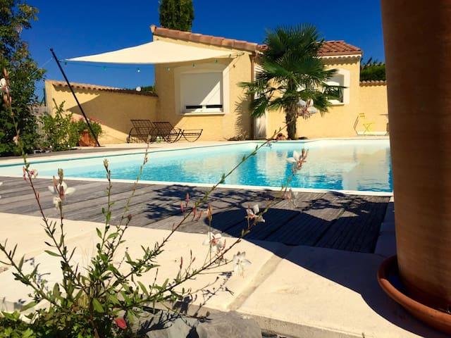 Jolie maisonnette dans jardin privé - Aouste-sur-Sye