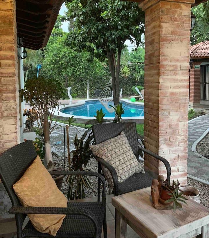 7. Escapada romántica. Habitación & terraza.
