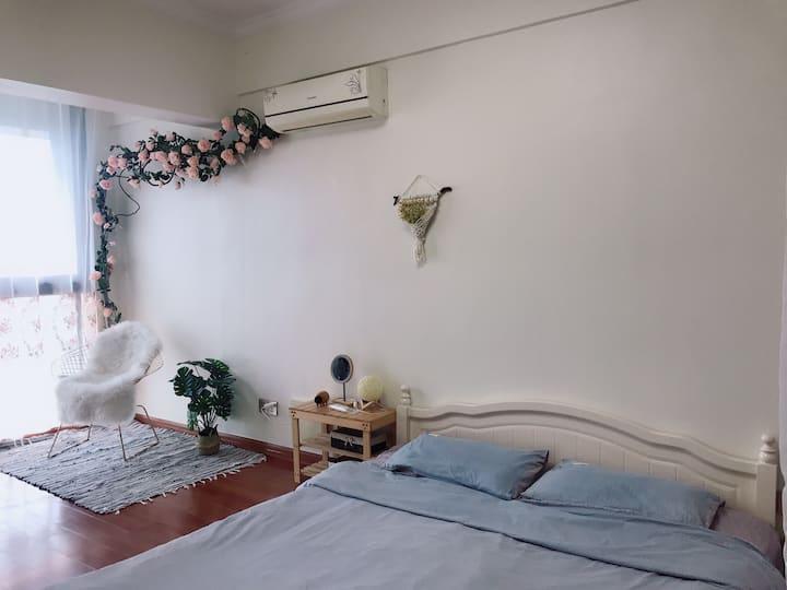 【漫语】巢阁寓所大床房近体育馆