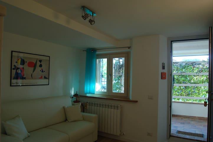 """RadiciHouse - Mini Appartamento """"Glicine"""" - Torgiano - Bed & Breakfast"""