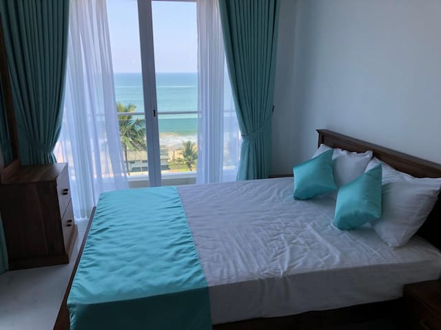 """Sea View""  Beach side Apartment in Mount Lavinia"