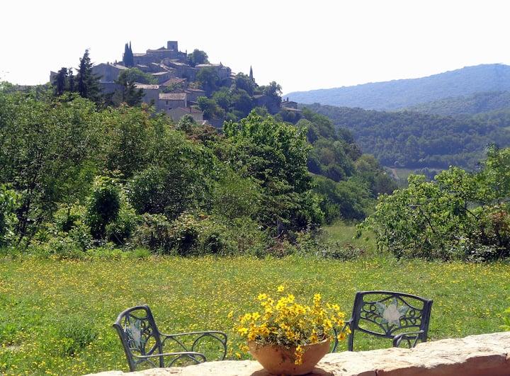 Venir à St THOME pour toucher le village médiéval