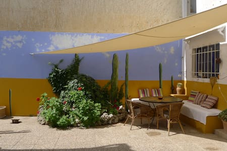 Character Townhouse & lovely patio - Artà - Huis