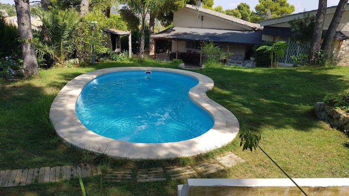 Luxury House with private pool close to Valencia