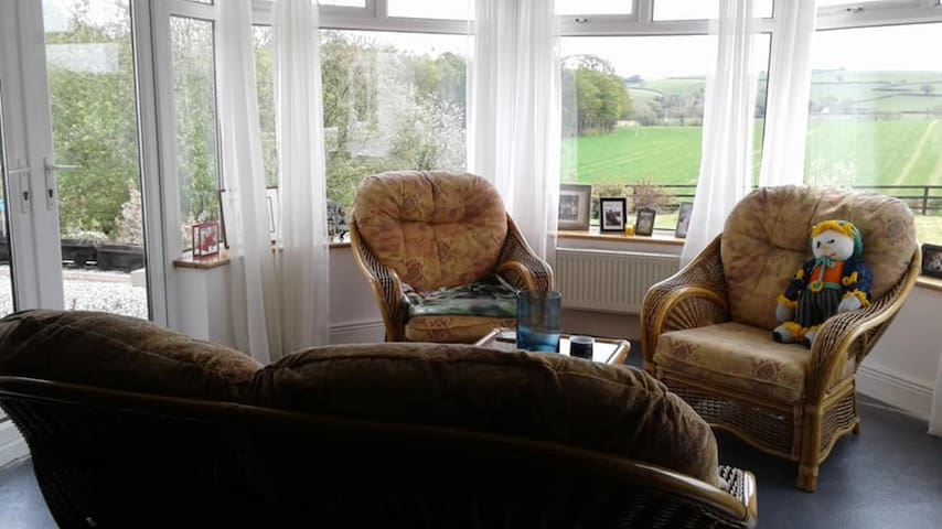 Lovely homely 3 bed house near Enniscorthy
