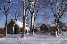 In de winter in de sneeuw