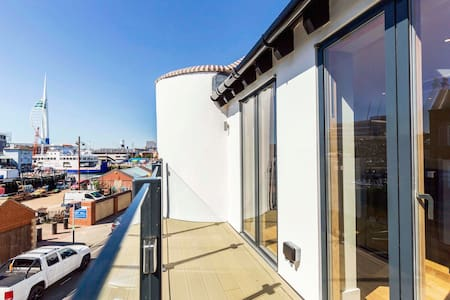 Luxury Double with large en-suite + B&B-l - - Portsmouth