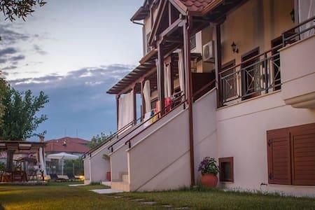 XENONAS LIOGERMA luxury holiday's apartments - Ierissos