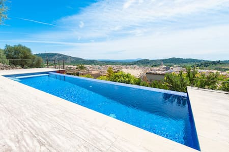 Soler - Romantic villa with pool and mountain view - アラロ - 別荘