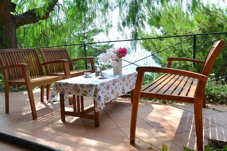 """Casa-giardino/Garden-home """"Il Pepe"""" - Cala Piccola"""