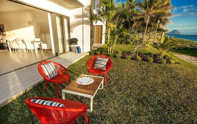Cap Ouest 1 Bedroom Beachfront Suite