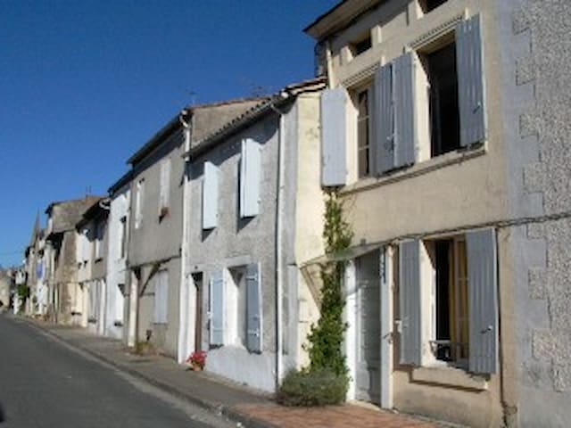 Monségur,  Gironde, Nouvelle Aquitaine - Monségur - Dům