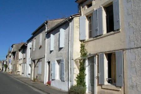Monségur,  Gironde, Nouvelle Aquitaine - Monségur - Huis