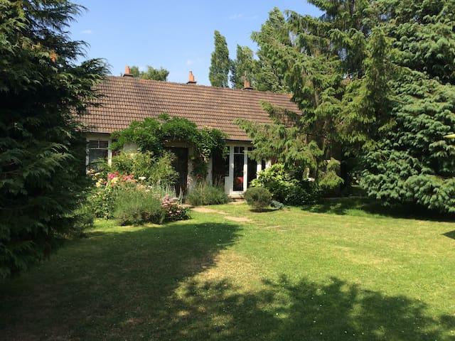 petite maison familiale à la campagne - Gonneville-sur-Mer - Haus