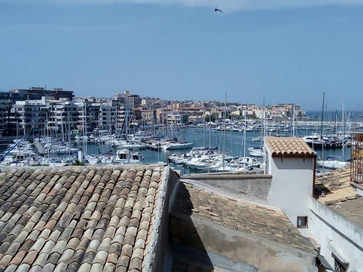 Casa vacanze vista mare a due passi da Ortigia