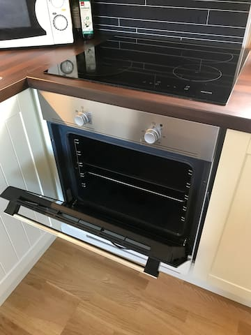 Stove with induction