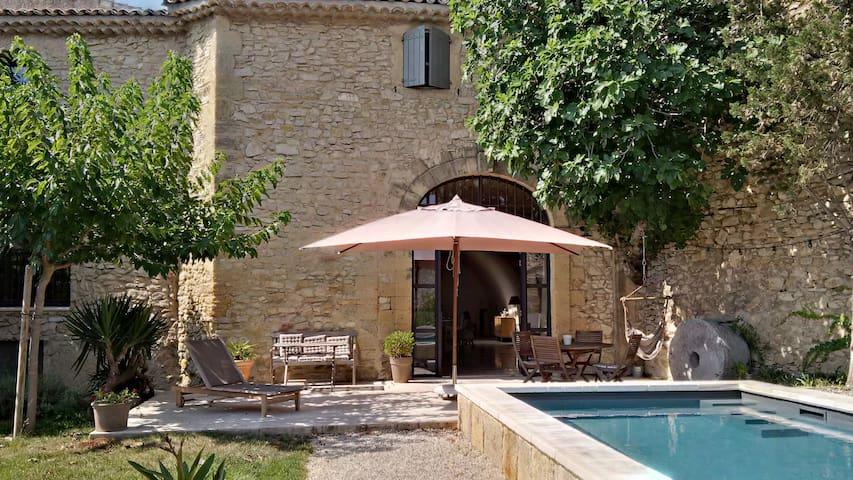 Ancien moulin au coeur du village - Lançon-Provence - บ้าน