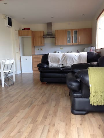 Self contained studio apartment - donore
