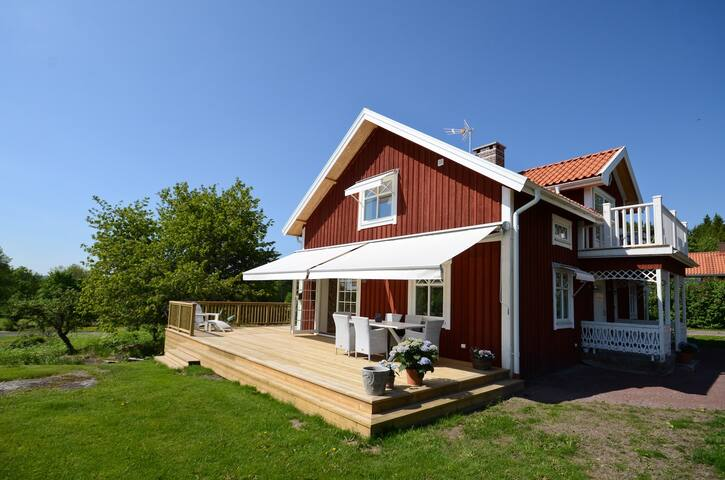 Newly renovated house in great location - Jönköping N