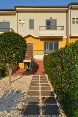Terraced house near Taormina - Furci Siculo - Radhus