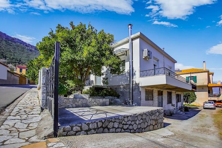 Homely Holiday Home in Sernikaki with Balcony