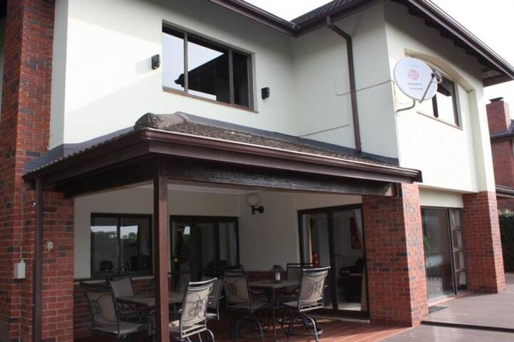 Tranquil Selborne Golf Estate Villa