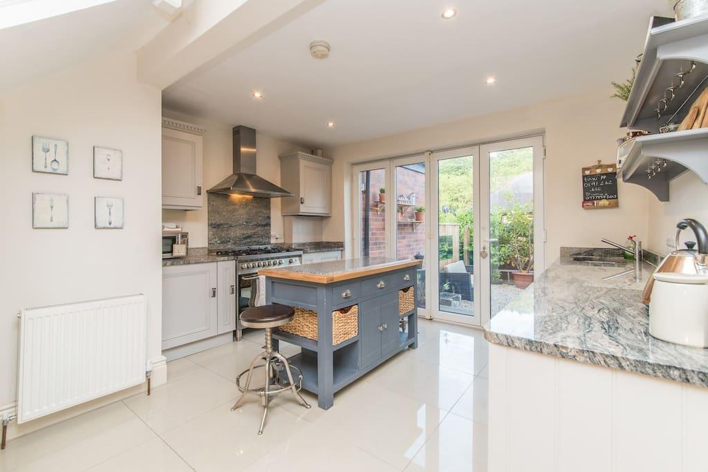 latest photo of the kitchen