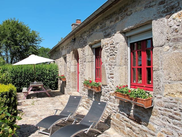 Holiday home in Plouégat-Moysan for 4 persons