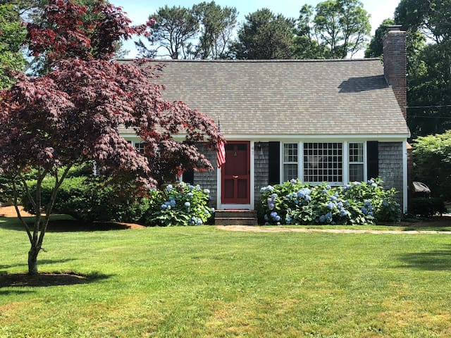 4 Bedroom Cape with Pond Access close to Bike Path