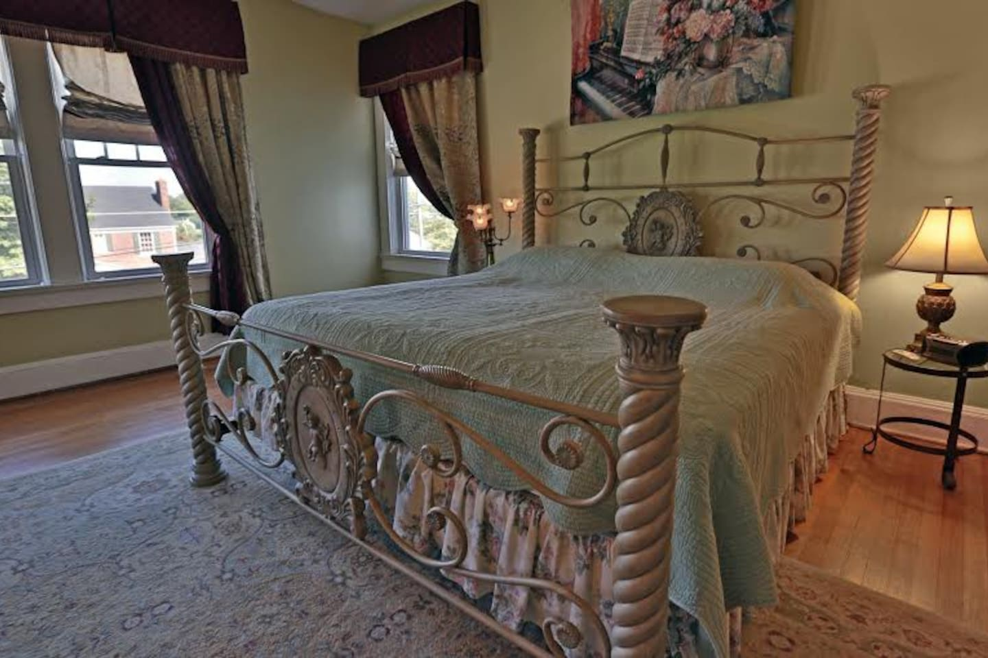 Simply Divine Bed and Breakfast-Jade Room - Bed and breakfasts for ...