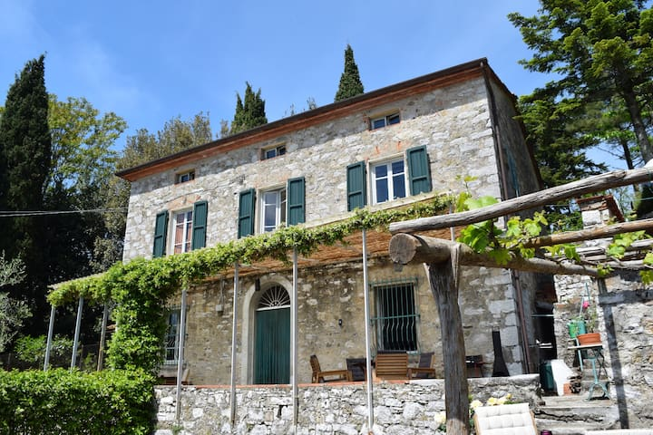Great house with jacuzzi in Tuscany - Deccio di Brancoli