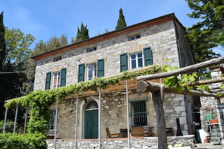 Great house with jacuzzi in Tuscany - Deccio di Brancoli - Huis