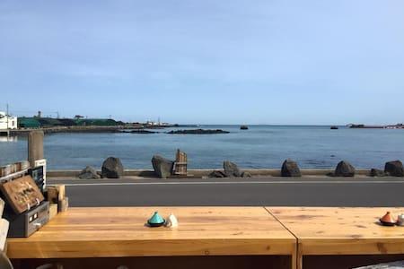 Sea View Room(바다전망방) - Jochon-eup, Jeju-si - Casa