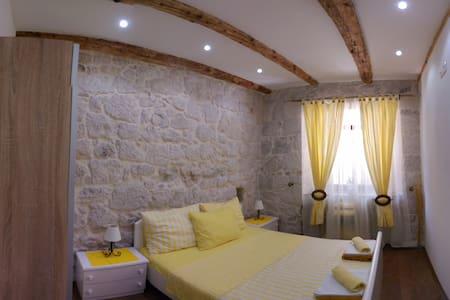 Beautiful Apartments in Gradac - Gradac - 獨棟