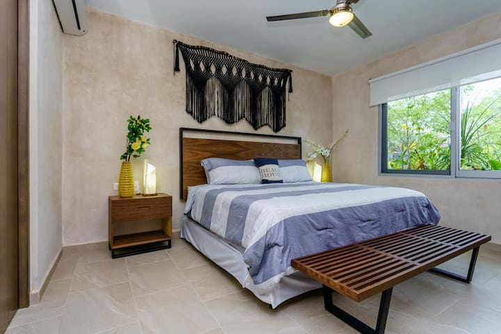 Bedroom with very comfortable King Size bed