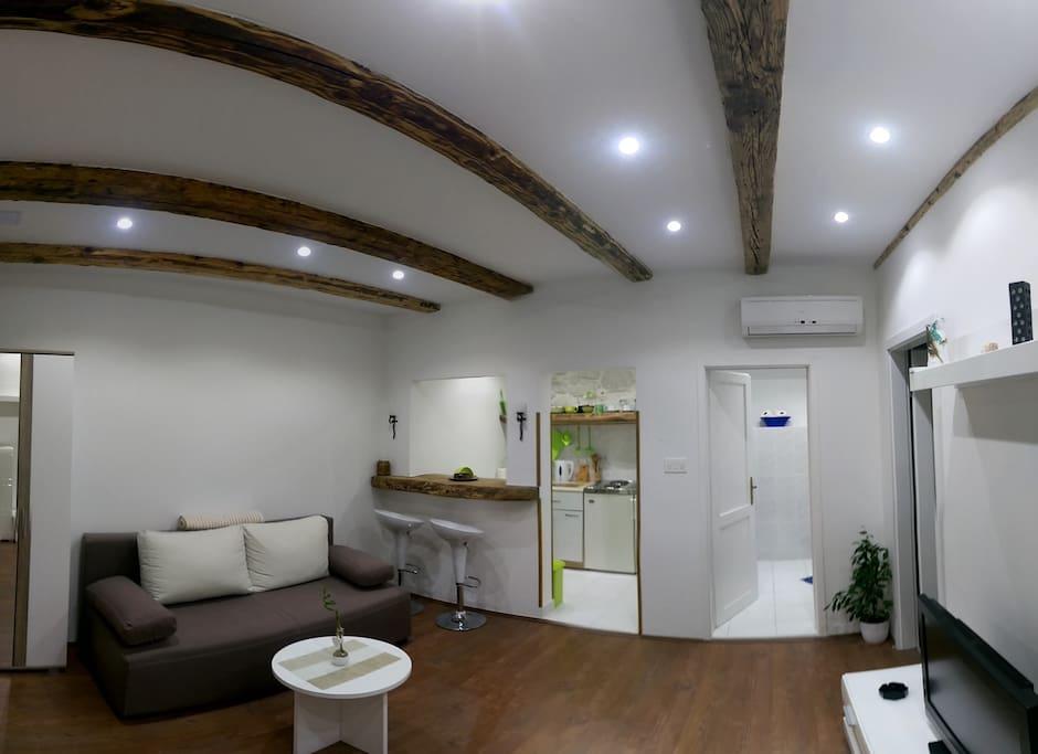 Luxury stone apartment - Living room