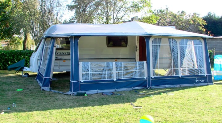 "Lunar Caravan & Awning ""SET UP READY"""