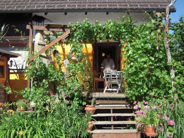 gemütliches dachgeschosszimmer - Bregenz - Dom