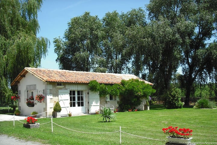 Chez Fert Country Cottage