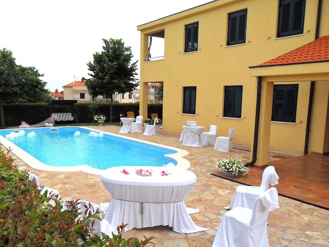 Villa Mare / Comfort two bedrooms A1 - Rovinjsko Selo - 公寓