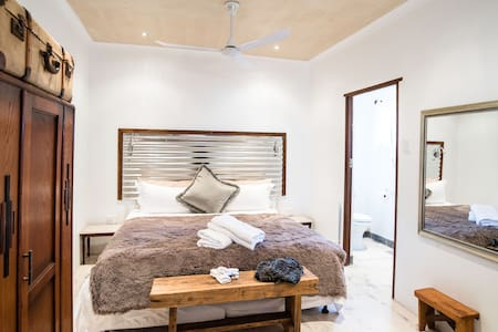 Gabriella Private En-Suite Room - Robertson