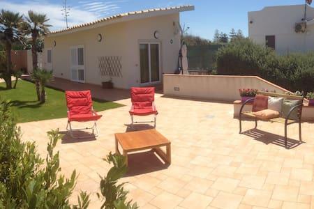 """Appartamento """"Libeccio"""" @CasaVacanzeVillaIda - Punta Braccetto"""
