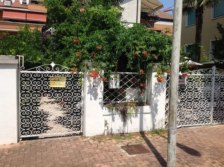 Apartment for rent in a  2 family villa